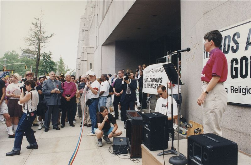 Hands Around the God-Box 1994 Kitt speaking