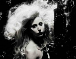 Lady-gaga-born-this-way-video-gun